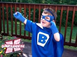 Agora sim, Anthony é um verdadeiro super-herói!