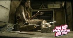 Adivinhem o que ela vai fazer com essa faca elétrica (Dica: não é churrasco)