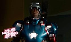 Don Cheadle: mesmo papel, armadura diferente