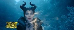 """Angelina Jolie lançando um feitiço: """"Apaixone-se!"""""""