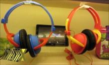 Ovos da Liga da Justiça da Cacau Show trazem headfones com os símbolos dos heróis.