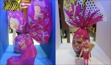 Ovo da Barbie tem porta objetos em formato de sapatinho e boneca.