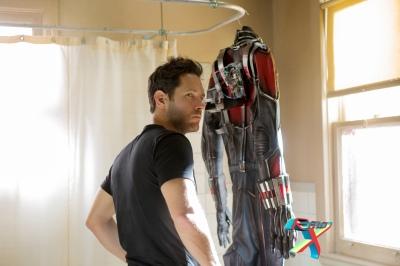 Pendurar a roupa no varal: a humilhante vida doméstica de um super-herói