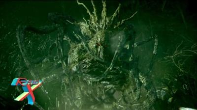 Todo aquele que tem medo queima ao toque do Homem-Coisa. Mas no filme foi o herói quem foi queimado.