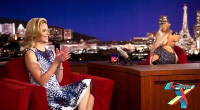 Elizabeth Banks foi convidada do episódio de estreia.