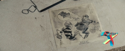 Tem um desenho na mesa da delegacia onde Clark faz uma investigação. Olha que importante!